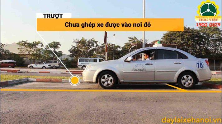 huong-dan-lai-xe-oto-b2-ghep-xe-ngang